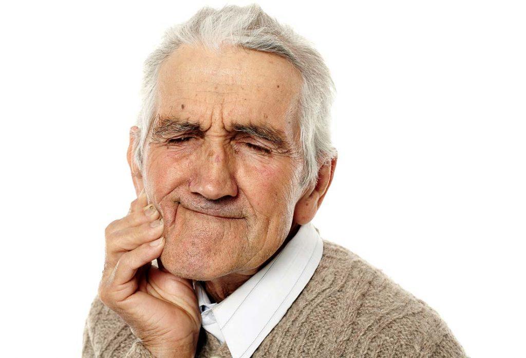 Praradus dantis, atsiranda veido išvaizdos pokyčiai