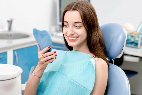 Šiuolaikinės dantų balinimo medžiagos ir technologijos užtikrina idealų dantų baltumą