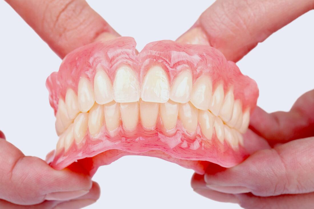 Laikini dantų protezai